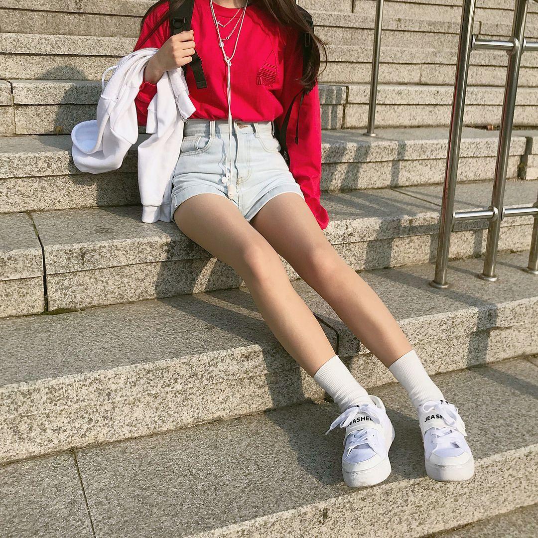 Girl Classic Clothing Ideas Korea Fashion In 2021 Tiktok In 2021 Fashion Korean Fashion Classic Outfits