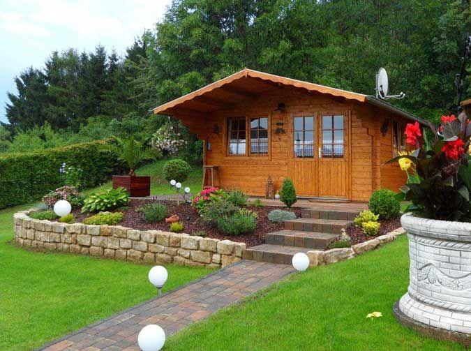 Gartengestaltung hanglage pflegeleicht  Gartenwege gestalten: Auf gutem Fuße zum Gartenhaus | Gartenhäuser ...