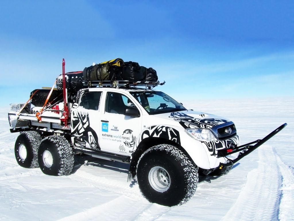 Arctic trucks toyota hilux at44 6x6 off road pinterest toyota arctic trucks toyota hilux at44 6x6 sciox Choice Image