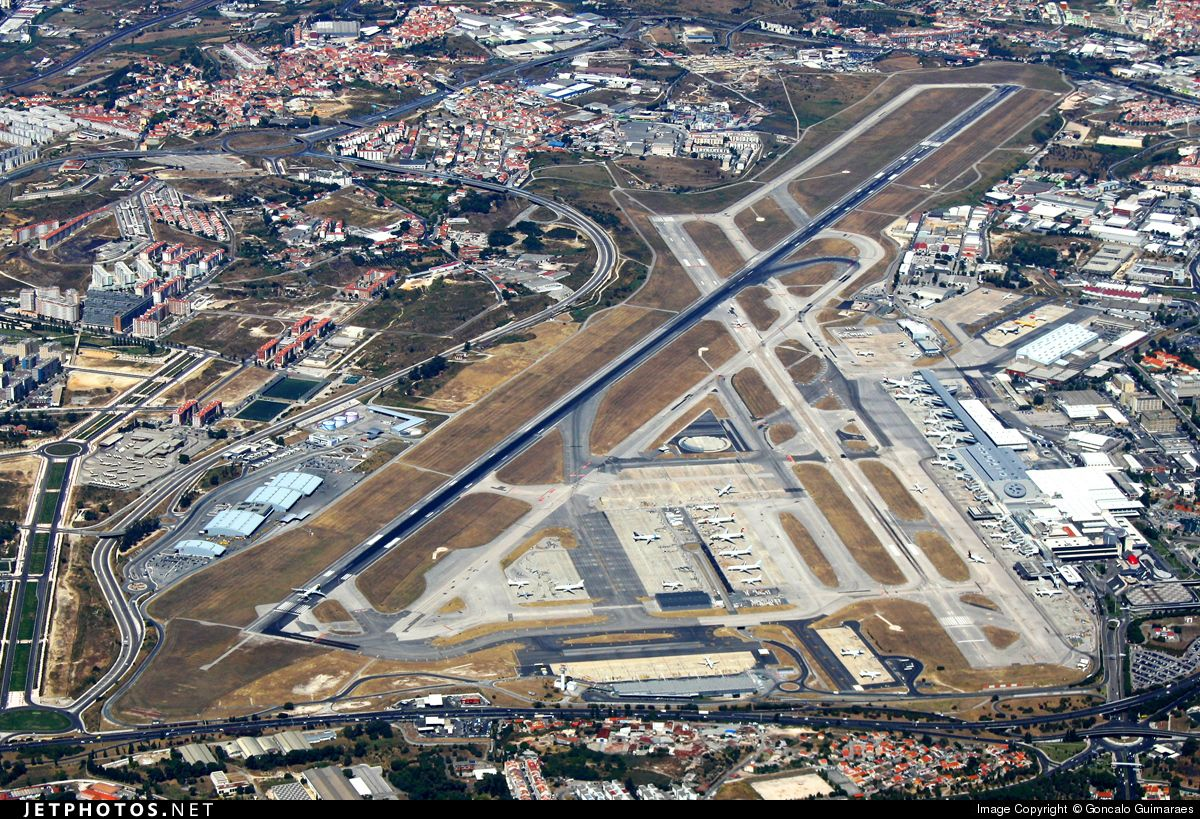Photo Lppt Airport Overview Airport By Goncalo Guimaraes Lisbon Airport Airport Airport Design