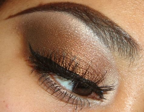 Bronze and Brown Eyeshadow Tutorial:Maybelline Quad in Chai Latte ...