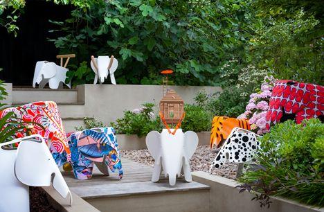 Elephant Kinderstoel Vitra : Vitra eames elephants customised for a child s dream charity