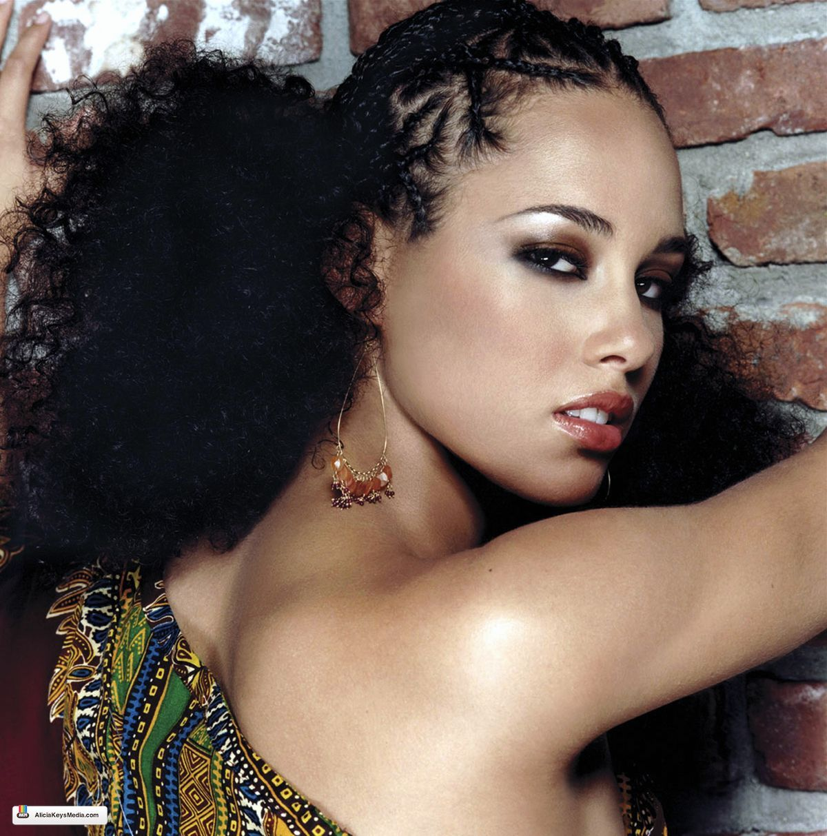 Alicia Keys Puff Braid Hairstyle From You Don T Know My Name Single Release Cover Alicia Keys Hairstyles Hair Styles Curly Hair Solutions