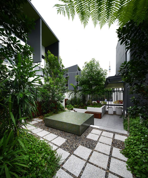Greenleaf Townhomes: Brisbane Townhome Courtyard