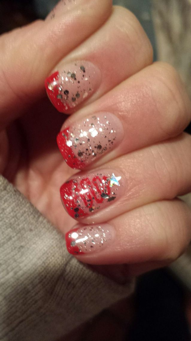 Alyssa\'s fancy Christmas nails #gelmanicure #christmasnails #nails ...