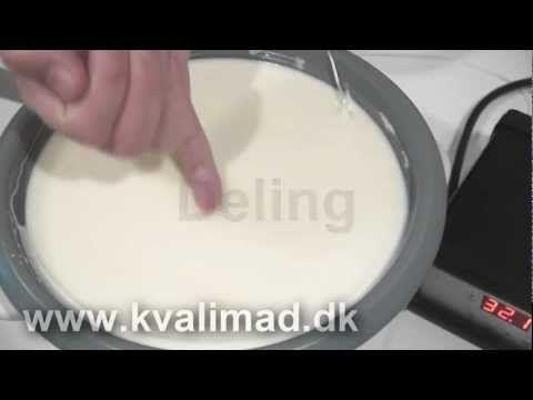 """▶ Hjemmelavet feta ost ... eller som det hedder i dag - """"hvide salatterninger"""" - YouTube"""