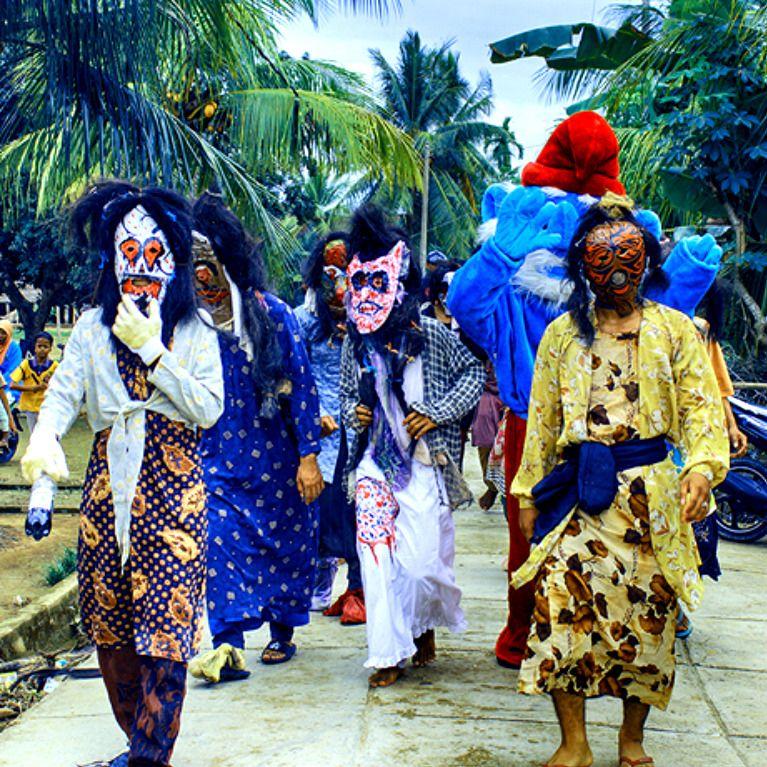Tari Topeng Asal Jambi Merupakan Sebuah Tarian Yang Biasa Dilakukan Untuk Menghibur Para Turis Saat Kalian Sedang Berkunjung Ke D Penari Hiburan Indonesia