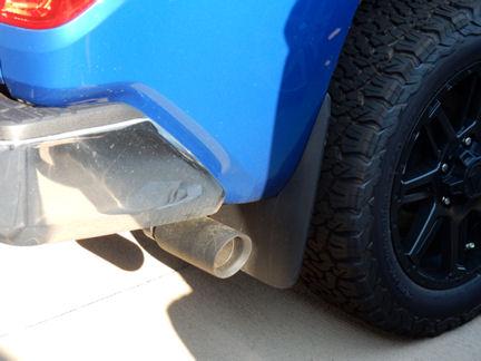 Exhaust Tip Black 5 7 4 6 V8 Floor Liners Front Door Handles Exhausted