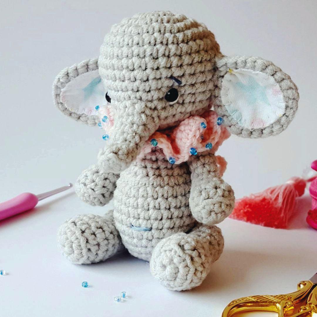 Die Süße Elefantendame Bella Von Amaloudesigns Begrüßt Euch Auf Dem
