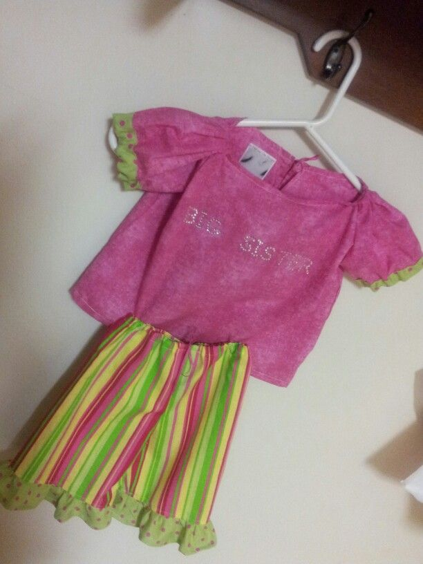"""""""Big Sister"""" outfit. Pink cotton short sleeve top with green & pink polka dot trim."""
