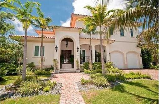 Casas estilo colonial fachadas buscar con google casas - Casas con estilo ...