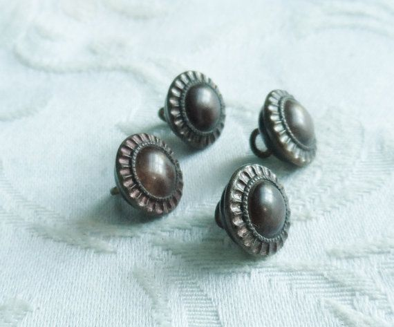 4-antique-buttons-with-celluloid-center
