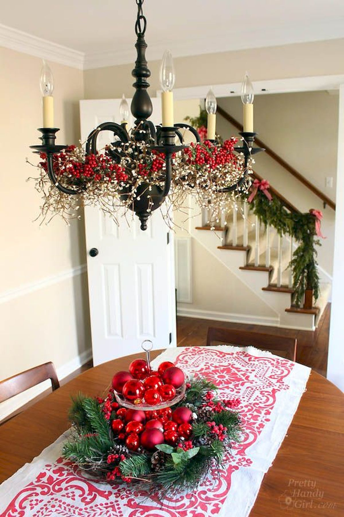 Awesome 50 Stunning Christmas Table Dining Rooms Decor Ideas Httpscoachdecorcom