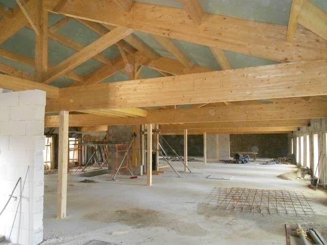 charpente apparente en lamell coll couverte en panneaux de toit charpentes escaliers. Black Bedroom Furniture Sets. Home Design Ideas