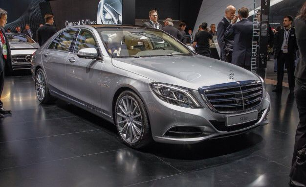 The New Maybach Is Back With The New 2016 Mercedes Maybach S600 Mm S600 Will Be Available In April 2015 And Will Be Prices From Maybach Mercedes Maybach Mercedes Maybach S600