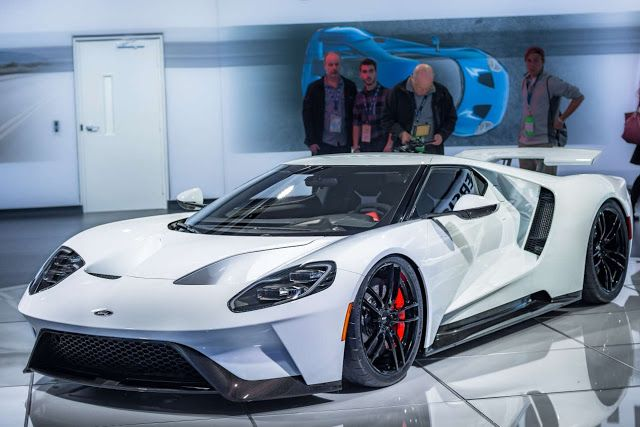 Ford Gt Pushes Out  Hp Has  Km H Top Speed