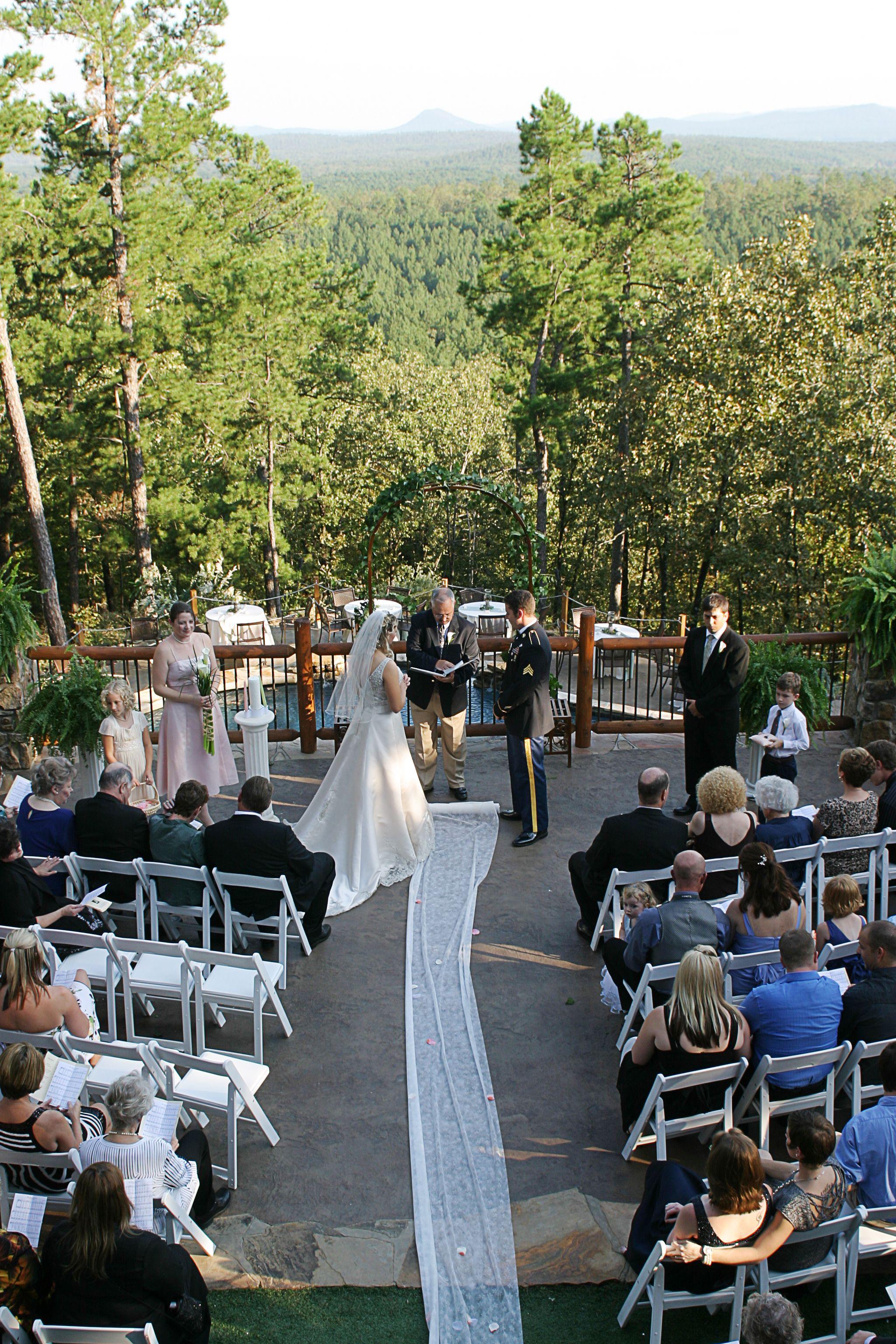 Roland Ar Wedding Venue At An Enchanting Evening Overlooking Lake Maumelle And Pinn Arkansas Wedding Venues Outdoor Wedding Venues Northwest Arkansas Weddings