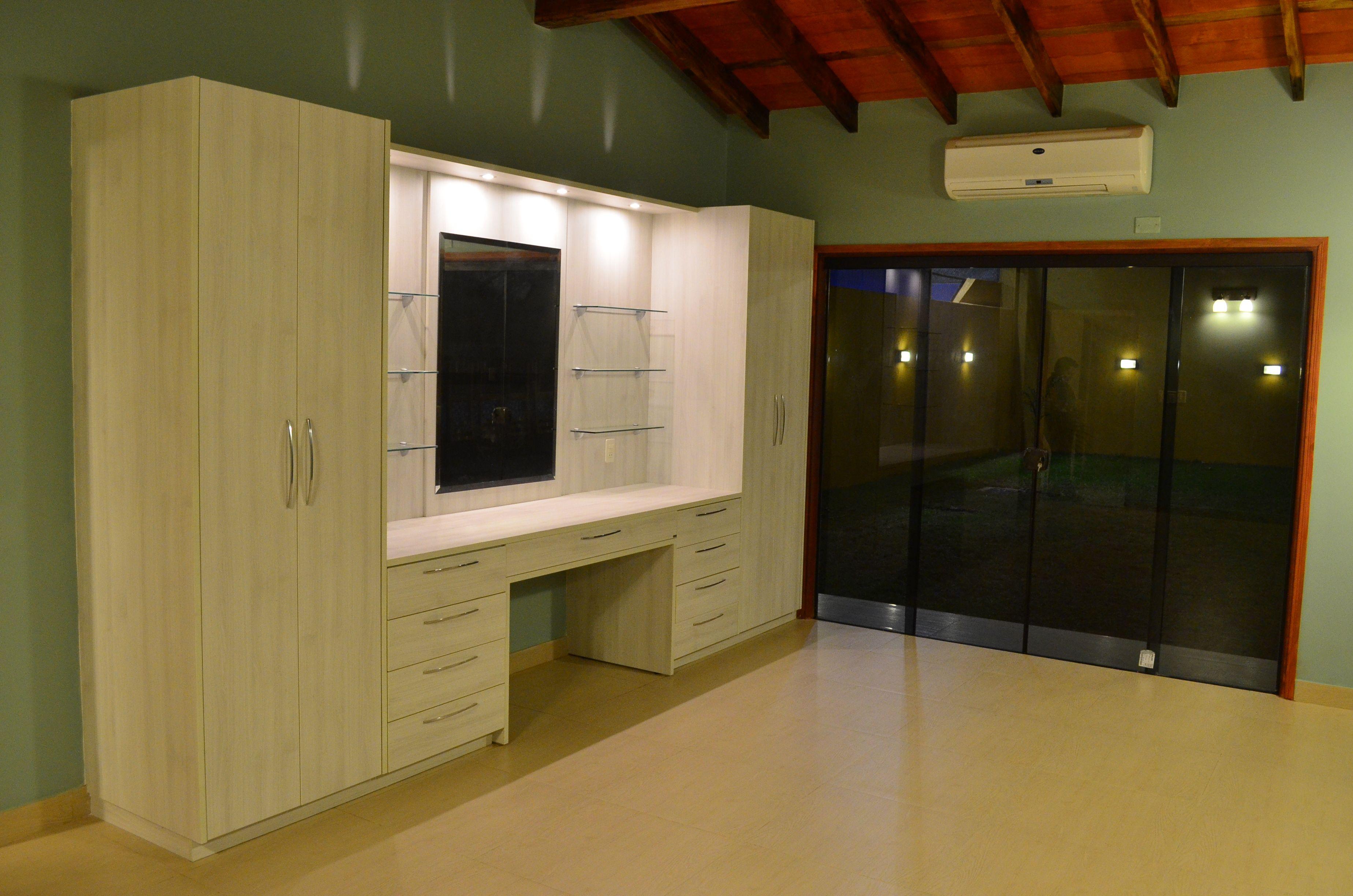 Dormitorio principal, imagenes del mueble tocador