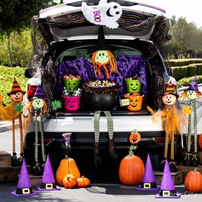 Spooky-Cute Trick or Treating Ideas - Party City Halloween