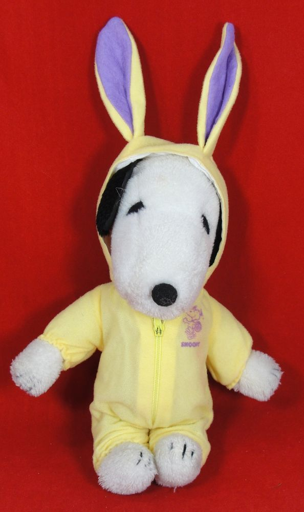 Vintage Easter Bunny SNOOPY Plush Toy Stuffed Animal 1968