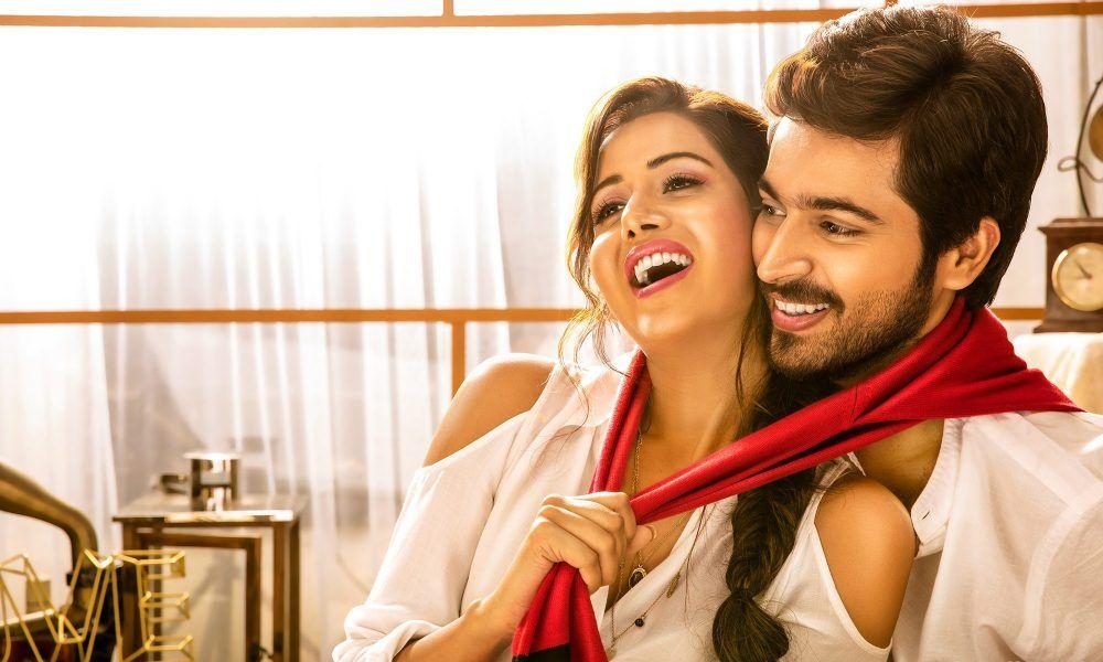 Pyaar Prema Kadhal Movie Hd Photos Hd Photos Wedding Couples Photography Beautiful Romantic Pictures