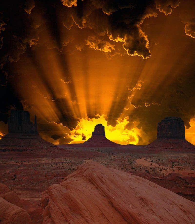 An amazing sunset at the desert in Utah