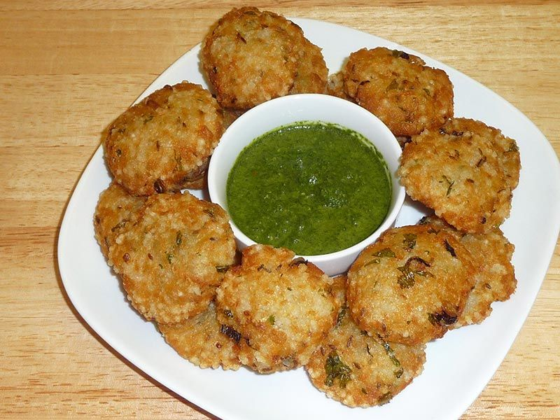 Come monsoon, dig into these six easy Indian snacks