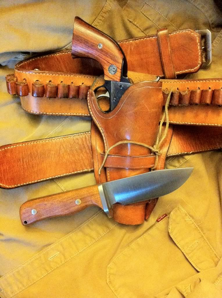 Gossman Tusker and Ruger vaquero Single Action  45 | Custom Leather