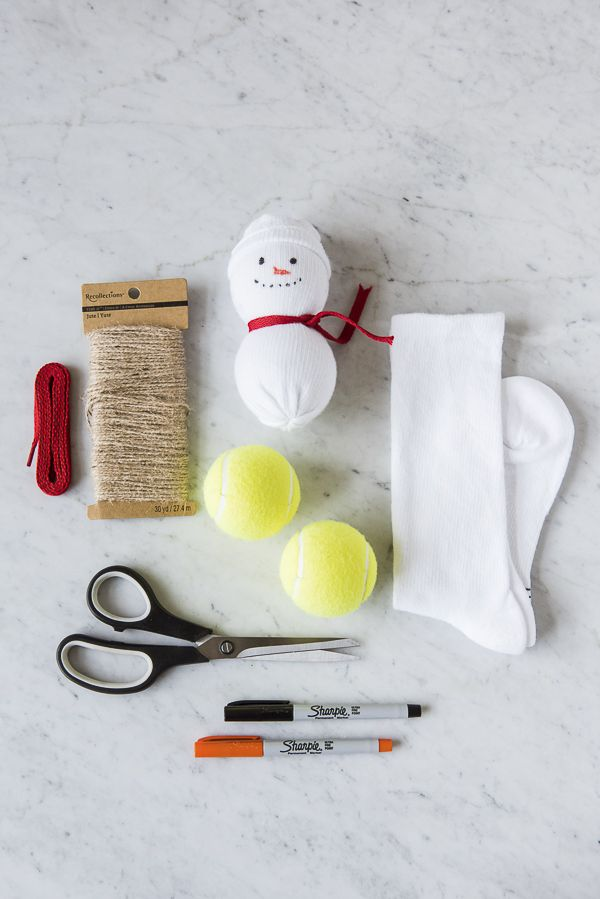 Diy Simple Snowman Toy For Dogs Diy Dog Toys Dog Christmas