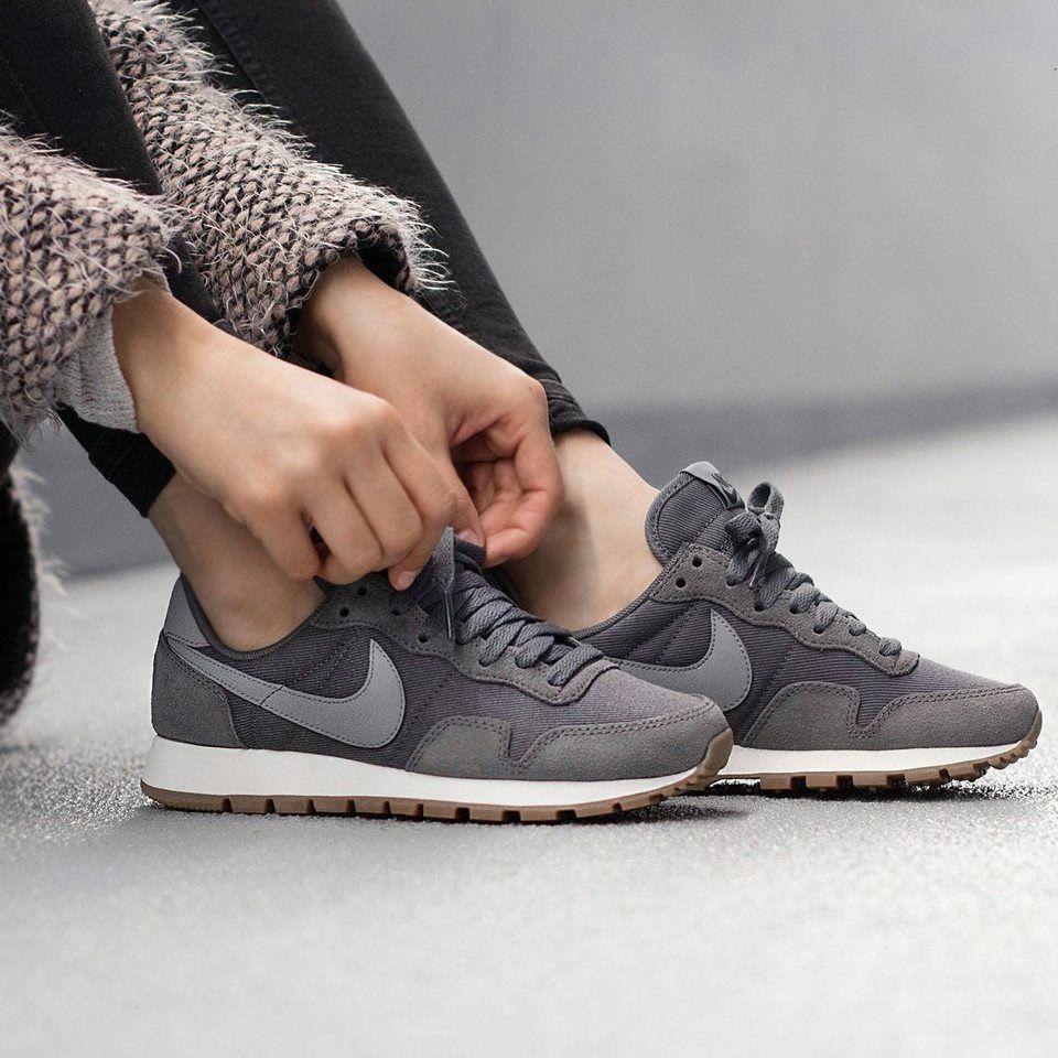 Nike Air Pegasus '83 Dark Grey | Schoenen dames, Schoenen