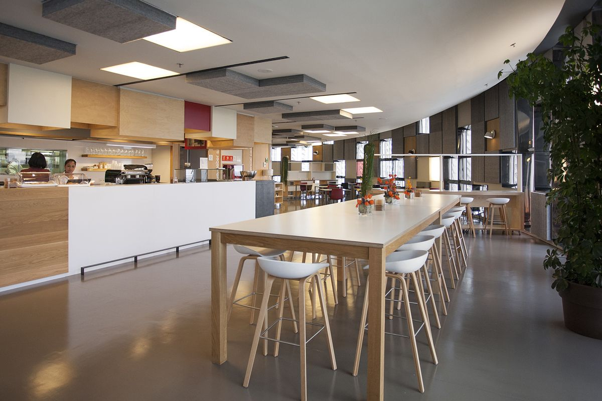 Agbar's Barcelona Corporate Cafeteria / INDAStudio | HAY ...