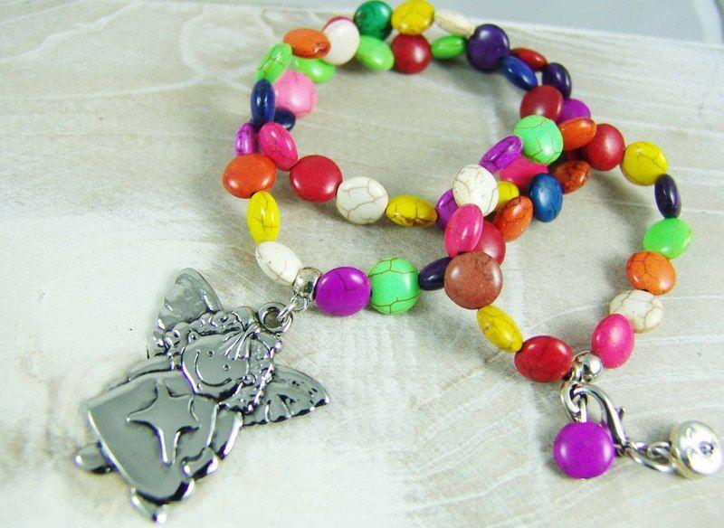 *Eine Gute-Laune-Kette für die kleine Prinzessin.*    Lustig bunt kommt sie daher - schön in kräftigen Farben  aufgereiht. Die Perlen sind aus Howl...