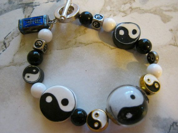 Ying Yang Bracelet by janislogsdongems on Etsy, $31.00