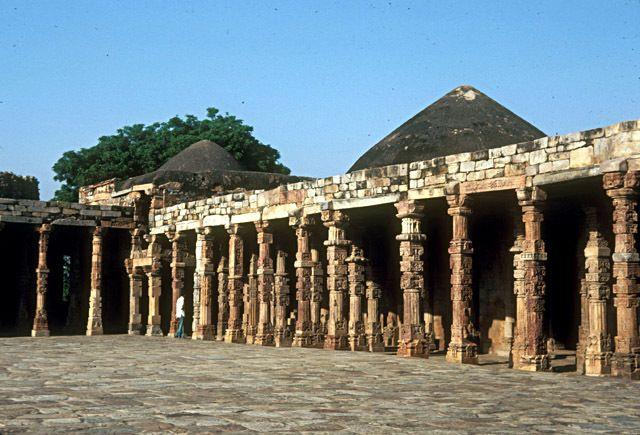Qutb. Mosque. India.