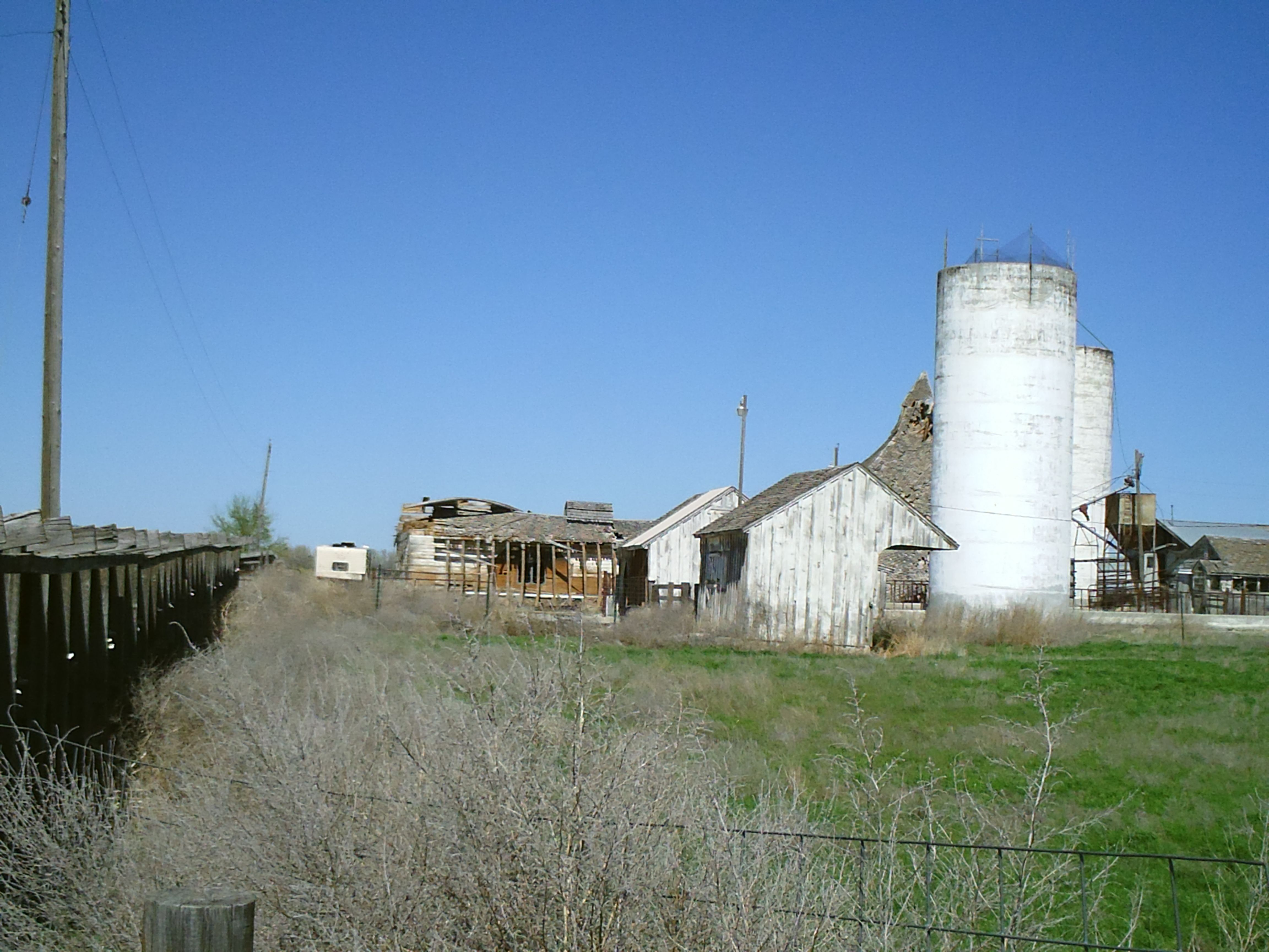 Pt Merdian Nampa Idaho I Ve Watched This Barn For Years It Was Bowed In The Middle And I Always To My Kids I Wish I Was House Styles Nampa Idaho Building
