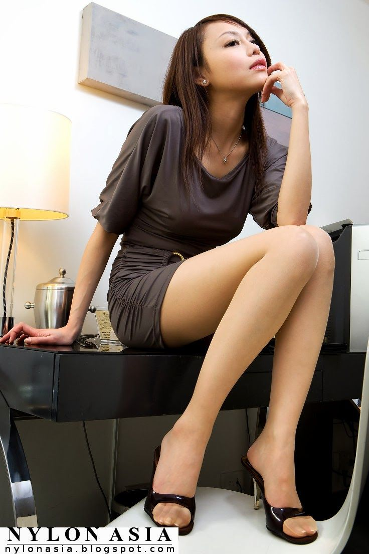 Belle tan pantyhose skirts prefer light