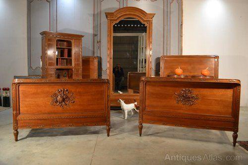 French Walnut Louis XVI Bedroom Suite - Antiques Atlas