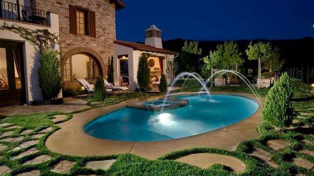 erkunde ovaler pool pool hinterhof und noch mehr - Hinterhof Mit Pooldesignideen
