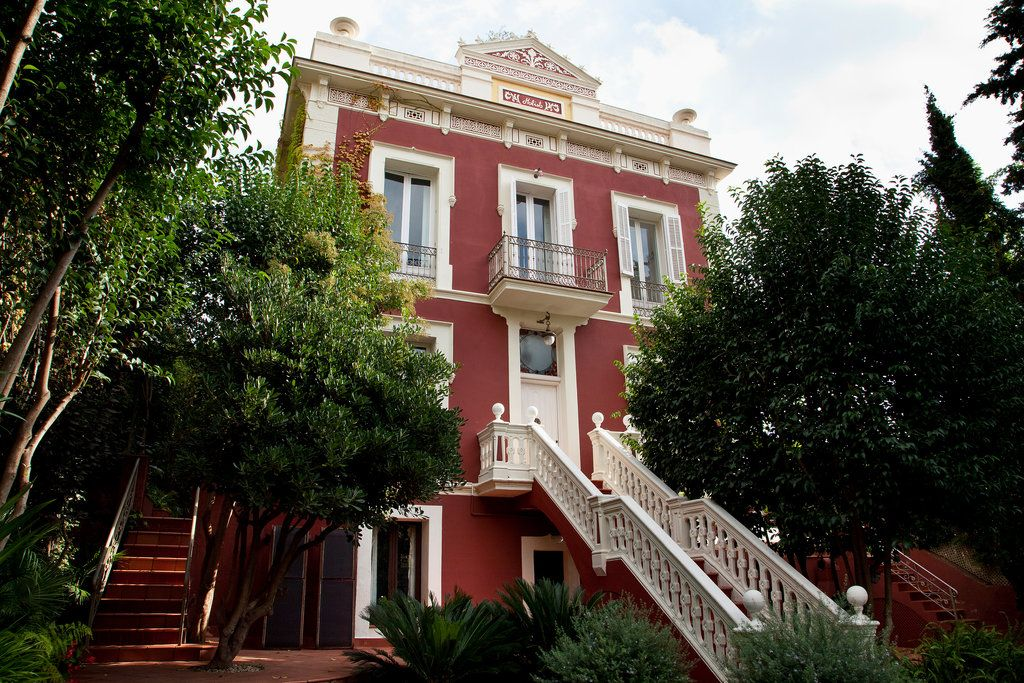 House hunting in central barcelona published 2013