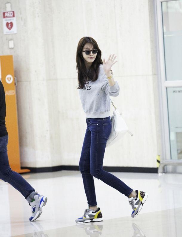 Korean airport fashion Korean actress chae jung an with suecomma bonnie  sneakers #skye #fashion