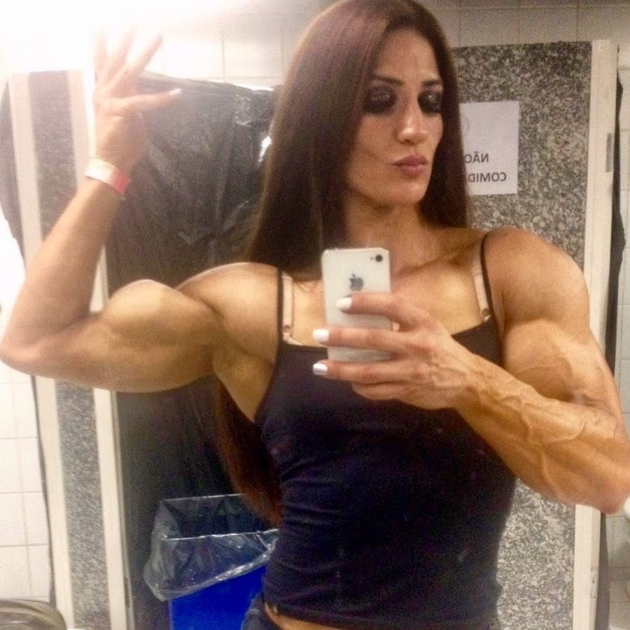 Alphamusclephysique If Her Looks Dont Kill You Those Thick Vascular Arms Will