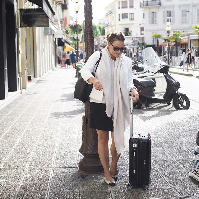 Täällä on virtuaaliset matkalaukut taas pakattu - blogi muuttaa 👀 Lue lisää - linkki löytyy profiilista!