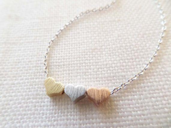 3 pequeños corazones plata collares oro y por TiffanyAvenueBridal