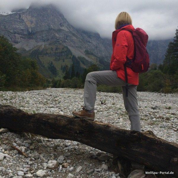 #Bloggerwandern beim Equipmenttest http://www.wellspa-portal.de/bloggerwandern-produkttest-equipment/