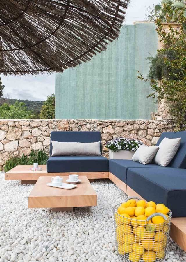 gemütliche Sitzinsel gestalten-im Garten oder auf Terrasse-Sofa Set