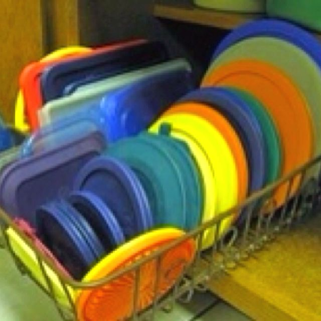 Use A Dish Drain From The Dollar Store To Organize Plastic Lids. Use A Dish  Drainer To Organize Pot Lids, Or Tupperware Lids In A Cabinet.