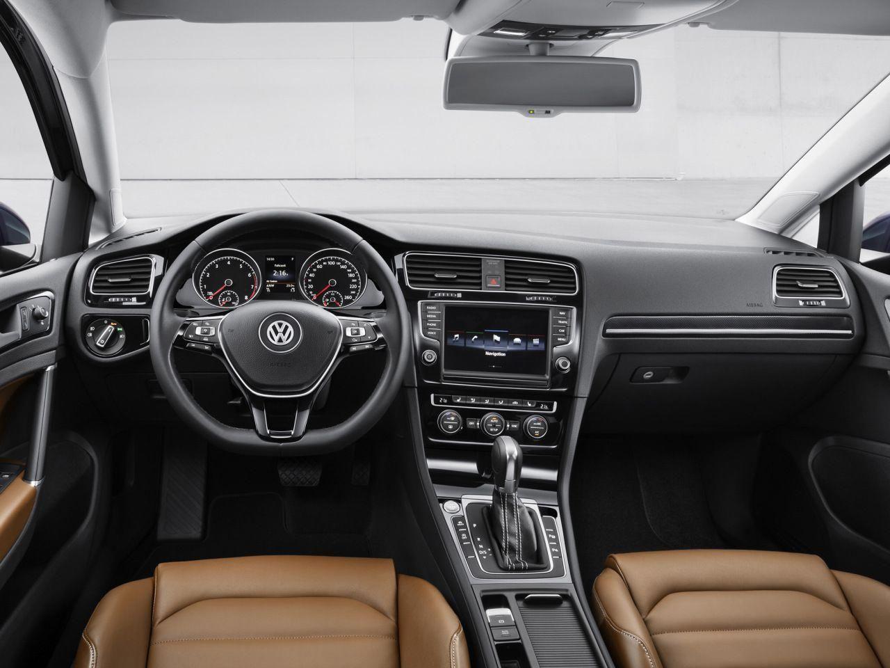 Vw Golf 2015 Interior Volkswagengolfvariant Volkswagen Golf Volkswagen Volkswagen Up