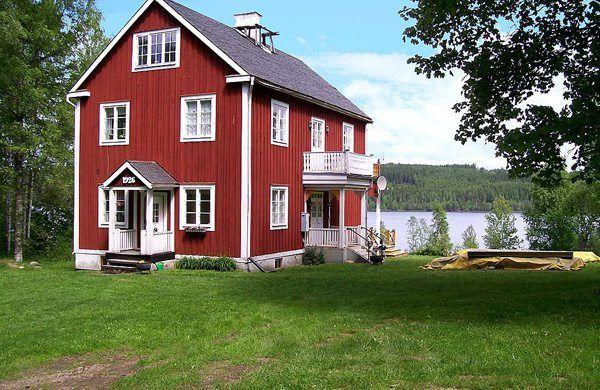 mehr schweden geht nicht rotes haus see wald boot norden haus. Black Bedroom Furniture Sets. Home Design Ideas
