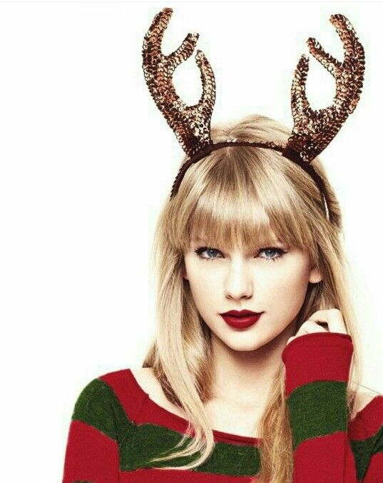 Red Winter Taylor Swift Taylor Swift Christmas Taylor Swift Pictures Taylor Swift