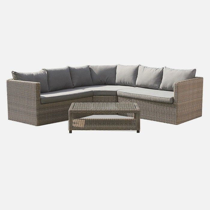 p>Enjoy the garden this summer in total comfort with the Wentworth ...
